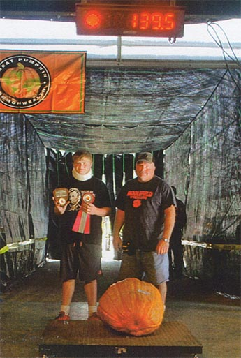 Jerry Rose III and Jerry Rose - 1st Connecticut Field Pumpkin, 139.5#